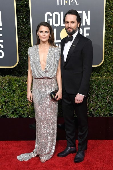 BEVERLY HILLS, CA - JANUARY 06:  Keri Russell (L) and Matthew Rhys attend the 76th Annual Golden Globe Awards at The Beverly Hilton Hotel on January 6, 2019 in Beverly Hills, California.  (Photo by Frazer Harrison/Getty Images)