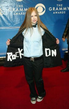 NEW YORK - FEBRUARY 23:  Avril Lavigne attend the 45th Annual Grammy Awards at Madison Square Garden on February 23, 2003 in New York City.  (Photo by Evan Agostini/Getty Images)