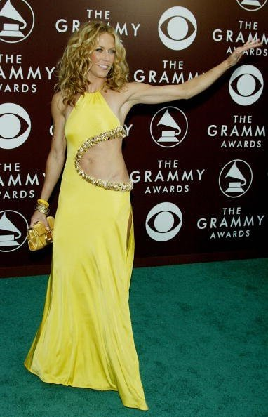 LOS ANGELES - FEBRUARY 13:  Musician Sheryl Crow arrives to the 47th Annual Grammy Awards at the Staples Center on February 13, 2005 in Los Angeles, California. (Photo by Kevin Winter/Getty Images)
