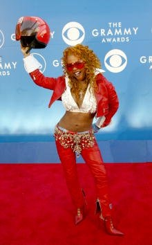 401611 145: Rapper Lil'' Kim attends the 44th Annual Grammy Awards at Staples Center February 27, 2002 in Los Angeles, CA. (Photo by Frederick M. Brown/Getty Images)