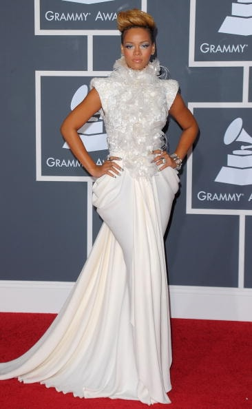 LOS ANGELES, CA - JANUARY 31: Singer Rihanna arrives at the 52nd Annual GRAMMY Awards held at Staples Center on January 31, 2010 in Los Angeles, California. (Photo by Jason Merritt/Getty Images)